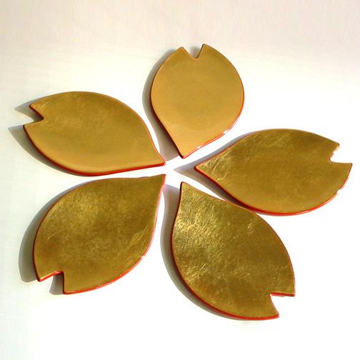 花びら銘々皿 金箔 取り皿・小皿 漆器の井助